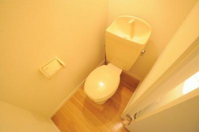 お風呂・トイレのセパレートタイプです。