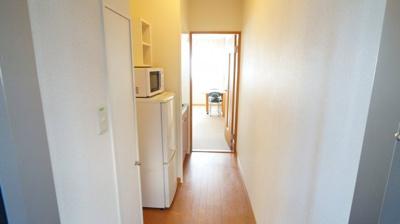 居室までの廊下です!