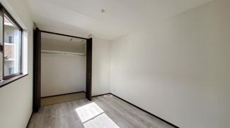 2.5F 洋室です