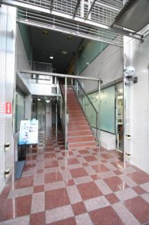 【エントランス】メインステージ本山