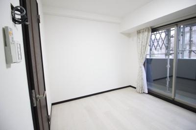 使い勝手のいい寝室スペースです。 洋室6帖