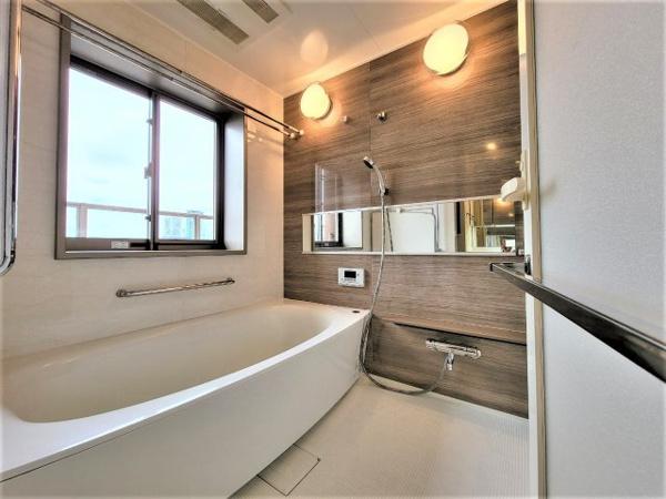 【浴室】ビューバス☆換気もできて防カビ効果◎1618浴槽です!