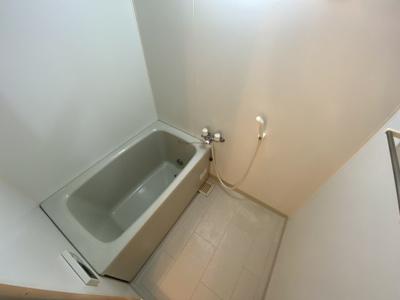 【浴室】シャン・ティオン