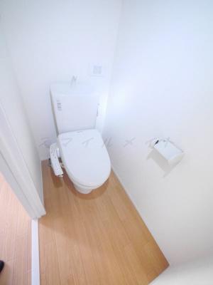 清潔感のあるトイレにはウォシュレットつき