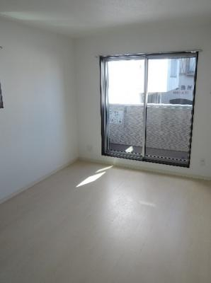 洋室7.4帖のお部屋です。