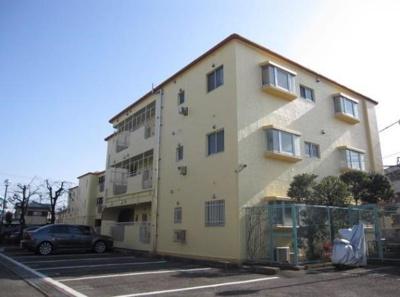 鉄筋コンクリート造のがっちりとした建物。