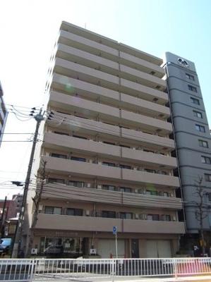 横浜駅徒歩8分の分譲マンションです。