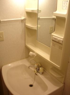 日々の生活に便利な「独立洗面台」