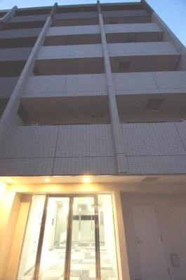 京浜急行線「生麦」駅より徒歩3分の築浅分譲賃貸マンションです。