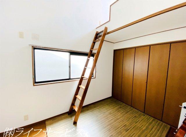 3階中部屋/ロフトにクローゼットと収納には困りませんね!