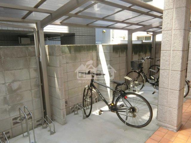 駐輪スペース・栄華マンション