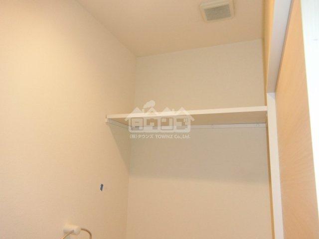 同仕様写真トイレの上棚・栄華マンション