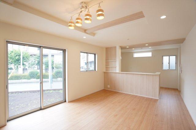 【同仕様施工例】2階6帖 採光・通風がよいお部屋なので気持ちよく過ごせます。