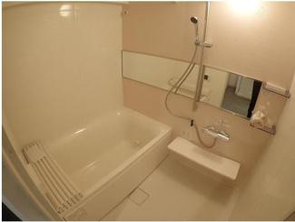 浴室乾燥、暖房つきの浴室♪