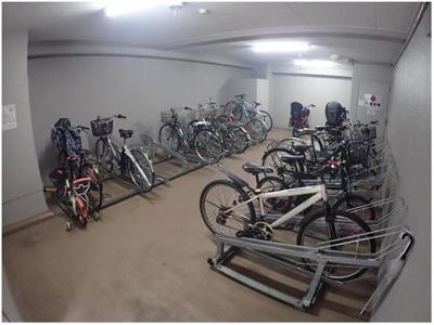 駐輪場も綺麗に整頓されております♪