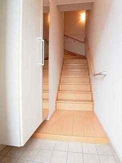 【玄関】槇の木 サニーハウス3号館