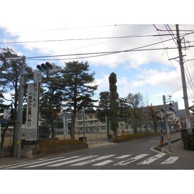 小学校「長野市立古里小学校まで579m」