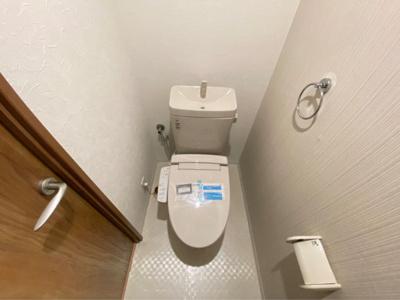 洗浄機能付きのトイレです!