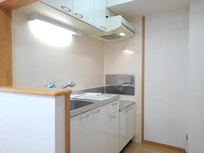 【キッチン】ヒルハウス大澤
