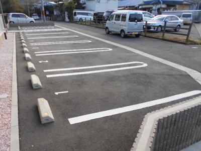 【駐車場】アルヴィータ