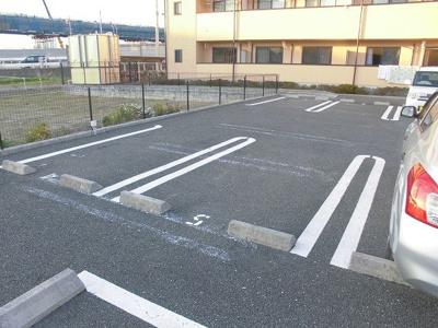 【駐車場】ゴールド フォレスト