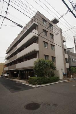 ブルーライン「蒔田」駅より徒歩6分のマンションです。