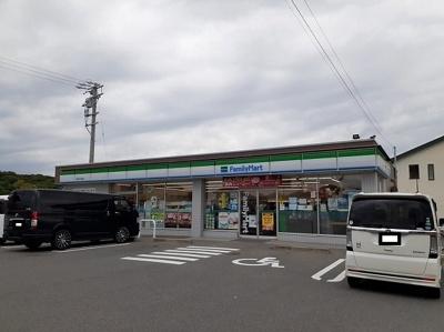 ファミリーマート鈴鹿千代崎店まで500m
