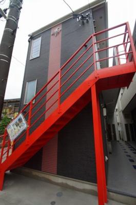 小机駅徒歩3分のアパートです。