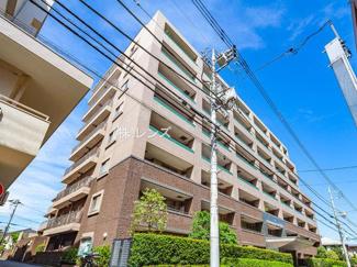 「桜台」駅徒歩2分、平成14年築の内外共に美しいマンション