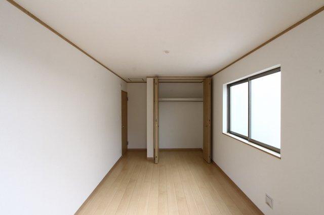 全居室二面採光の居室は、明るいお部屋になっているので、光熱費の節約にもつながります。