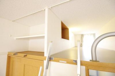ロフトスペースは収納としても寝室としても使えます。