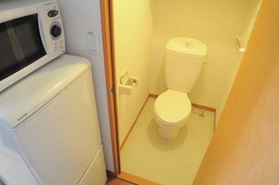 トイレからすぐにお風呂に行けちゃいます!