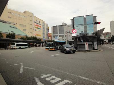 伊丹ショッピングデパートまで1,152m