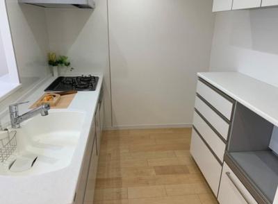 「サンライズマンション府中」のキッチンです。