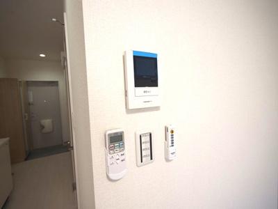来訪者の確認が出来るモニター付インターホン:同一仕様