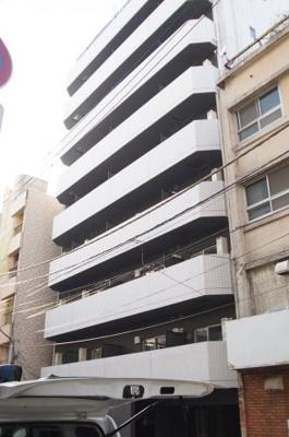 「関内駅徒歩8分のマンションです」