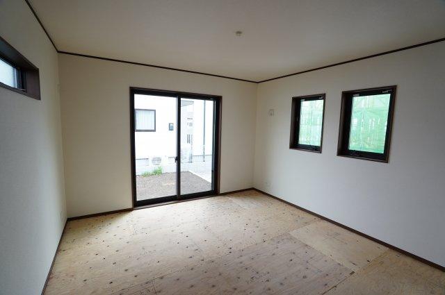 同仕様施工例 畳敷6帖の洋室です