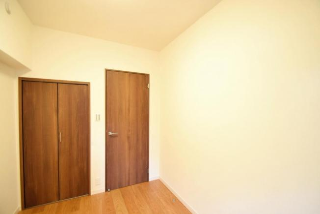 シーアイハイツ和光B号棟:約4.2帖の洋室にはクローゼットが付いております!