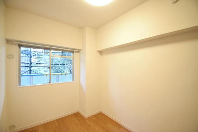 シーアイハイツ和光B号棟:約4.2帖の洋室には窓が付いております!