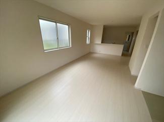 【居間・リビング】八潮市西袋新築戸建て【全3棟】