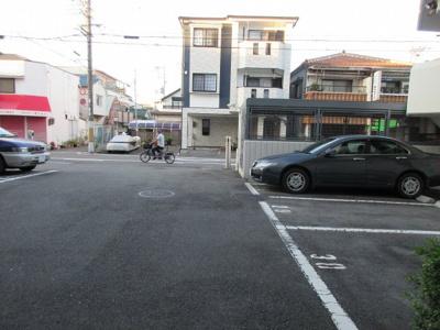 【駐車場】高槻ロイヤルマンション