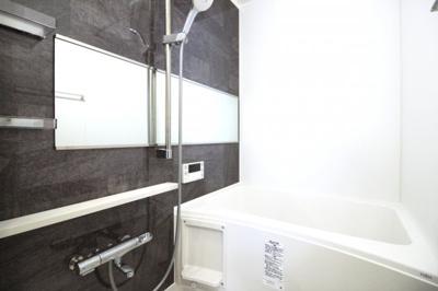 【浴室暖房乾燥機】は雨の日の乾かなかった洗濯物もその日の内に乾かせる奥様の強い味方です。