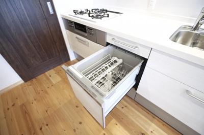 【食器洗浄乾燥機】環境にも奥様の手にも優しい設備です。