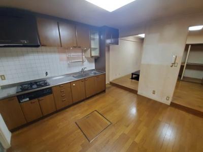 【キッチン】堺市南区桃山台4丁 中古テラスハウス
