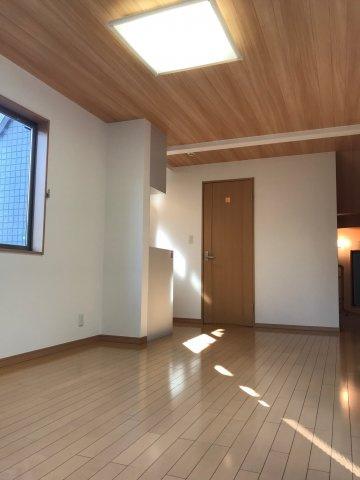 【居間・リビング】平成21年築!令和3年7月中旬リノベーション工事完了 新宿区西落合3丁目 中古戸建 5,680万