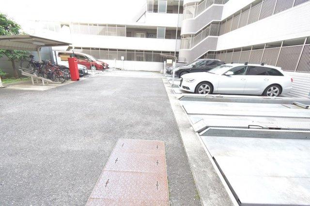 【駐車場】レジディア祐天寺