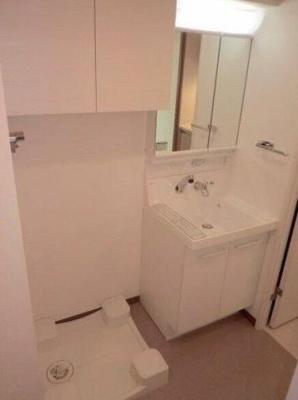 独立洗面台付きのお部屋になります。