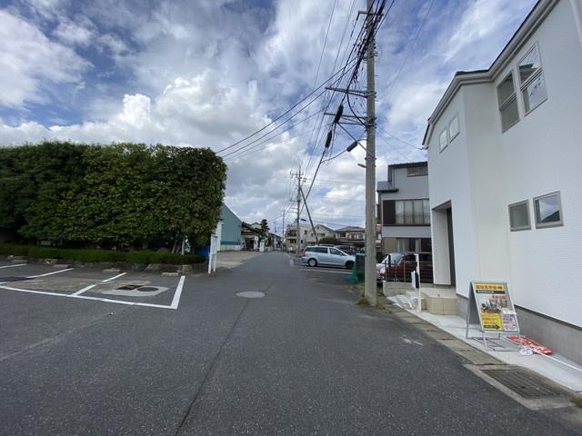前面道路は4.5mの公道です。