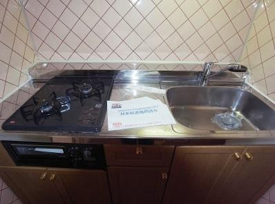 使い勝手の良いシステムキッチンです