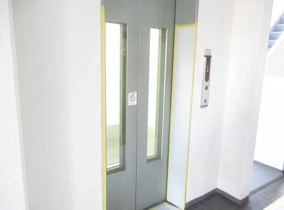 コスモ大島のエレベーターです。